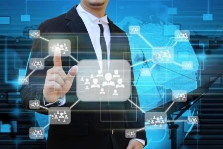 Auflösung starrer Hierarchien und Überführung in liquide Teams