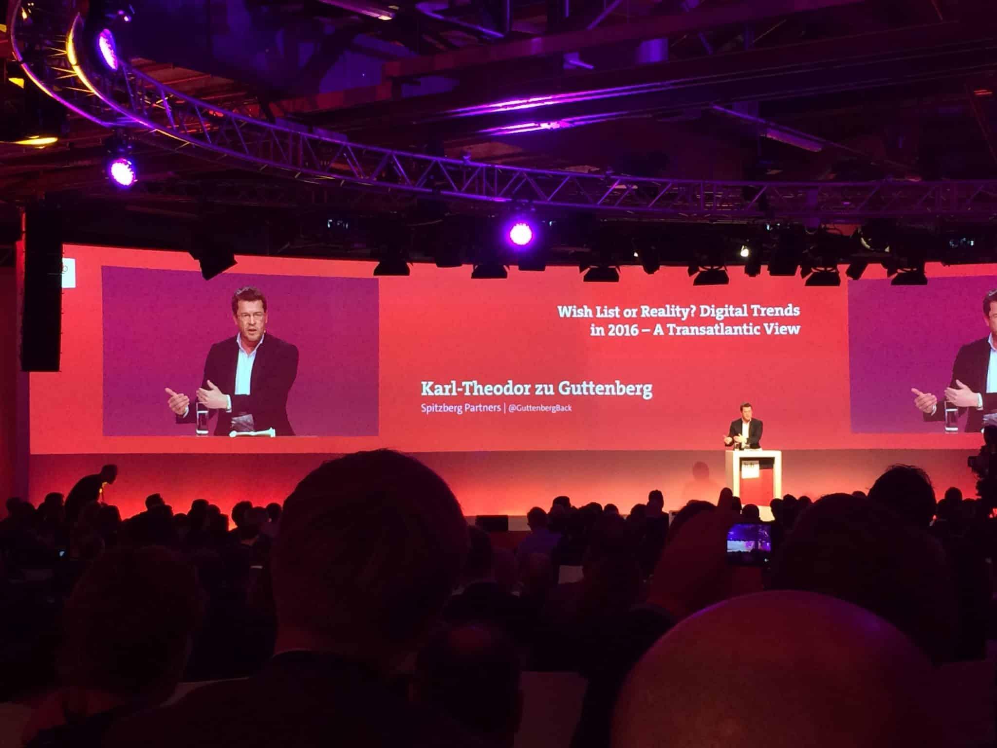 Guttenberg stellt das Dilemma dar, zwischen Sicherheitsinteressen einerseits und Datenschutzbedürfnis andererseits - bitkom hub conference