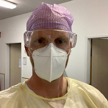 Foto: Dr. Jens Pippig in der Klinik als Corona-Helfer