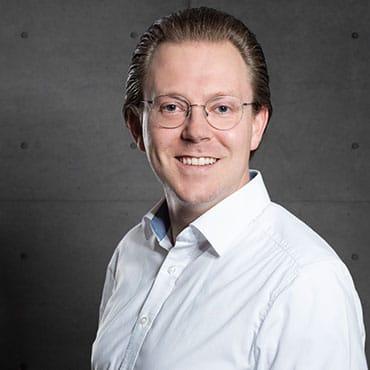 Portrait: Jonathan Martin von der ZMI GmbH schreibt über Arbeitszeiterfassung
