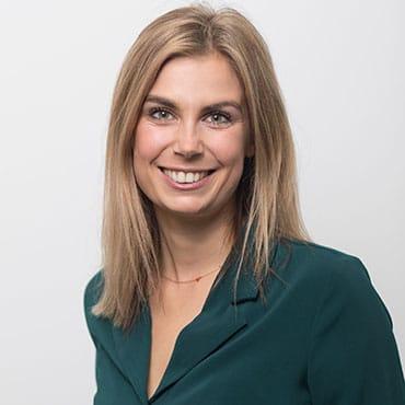 Portrait: Gastautorin Sarah Schuh zu Erfolgreiche Selbstorganisation in Unternehmen