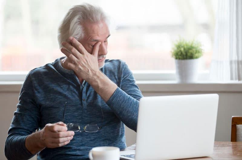 Demographie: Ältere Menschen empfinden häufiger Stress bei nicht funktionierender IT oder fühlen sich unwohl