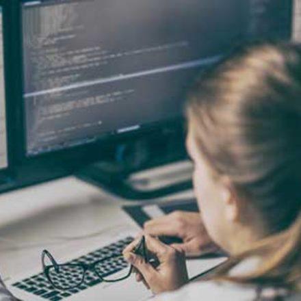 IT-Fachkräfte gewinnen und behalten: Fünf Tipps für die Praxis